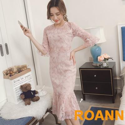 圓領拼接縷空蕾絲花紋洋裝 (共二色)-ROANN