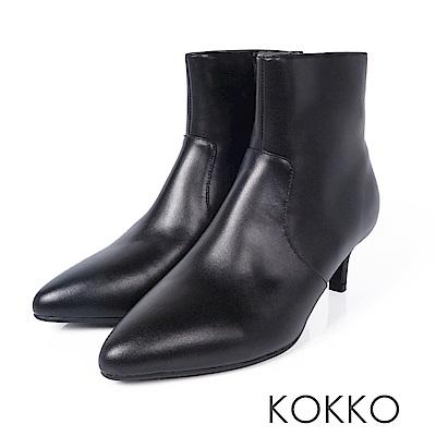 KOKKO-時尚寵兒尖頭顯瘦貼腿牛皮襪靴-實搭黑