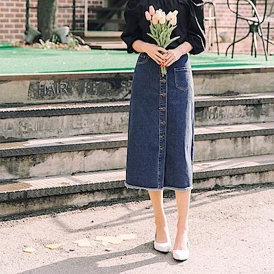 高含棉經典牛仔口袋造型排釦開衩設計長裙-OB嚴選