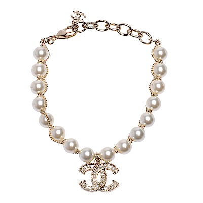 CHANEL 經典水鑽珍珠鑲嵌雙C LOGO瑣鍊珍珠串連手鍊(金)