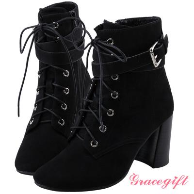 Grace gift X Wei唐葳-層次帶釦綁帶高跟短靴 絨黑