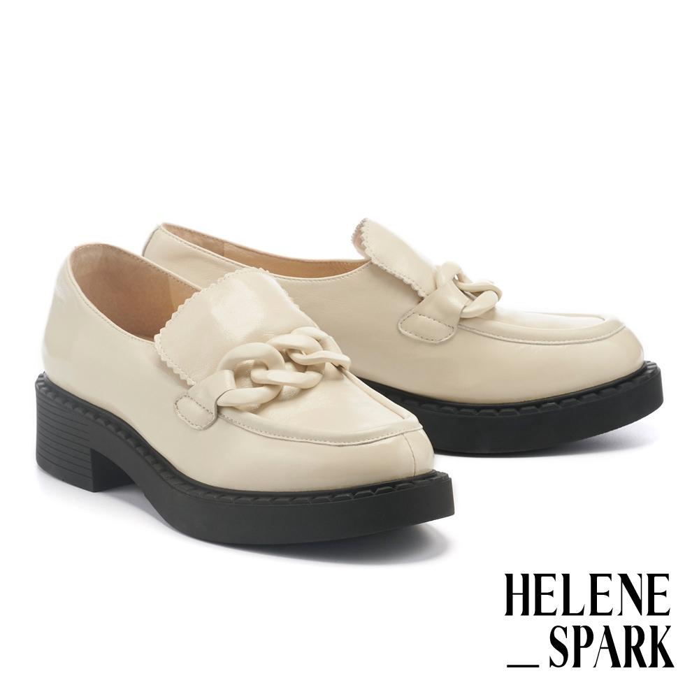 厚底鞋 HELENE SPARK 簡約復古霧感粗鏈條方頭樂福厚底鞋-白
