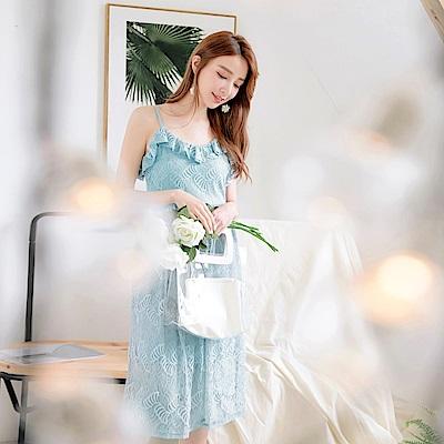 婚禮系列~純色蕾絲雕花荷葉領拼接細肩帶洋裝-OB大尺碼