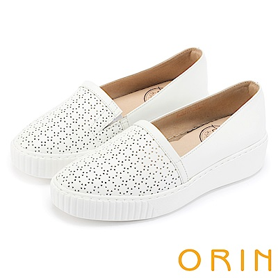 ORIN 引出度假氣氛 嚴選洞洞牛皮平底便鞋-白色