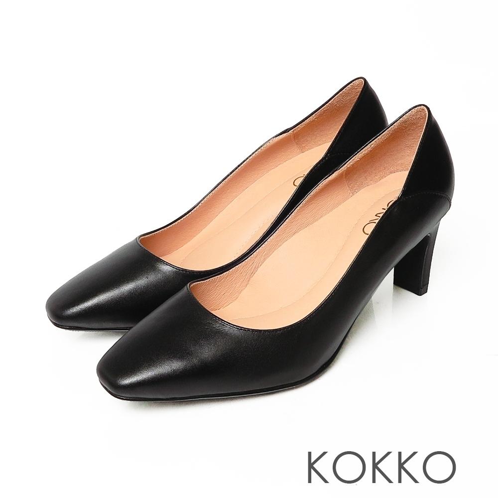 KOKKO極簡素面方頭舒壓真皮扁跟鞋霧面黑