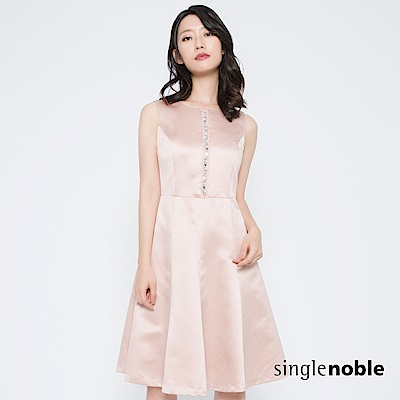 獨身貴族 迷人晚宴珠飾緞面傘襬洋裝(2色)