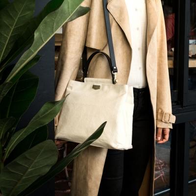 【IBAOBAO愛包包】ADOLE-ADay皮革斜背包/米帆布包+黑色提把