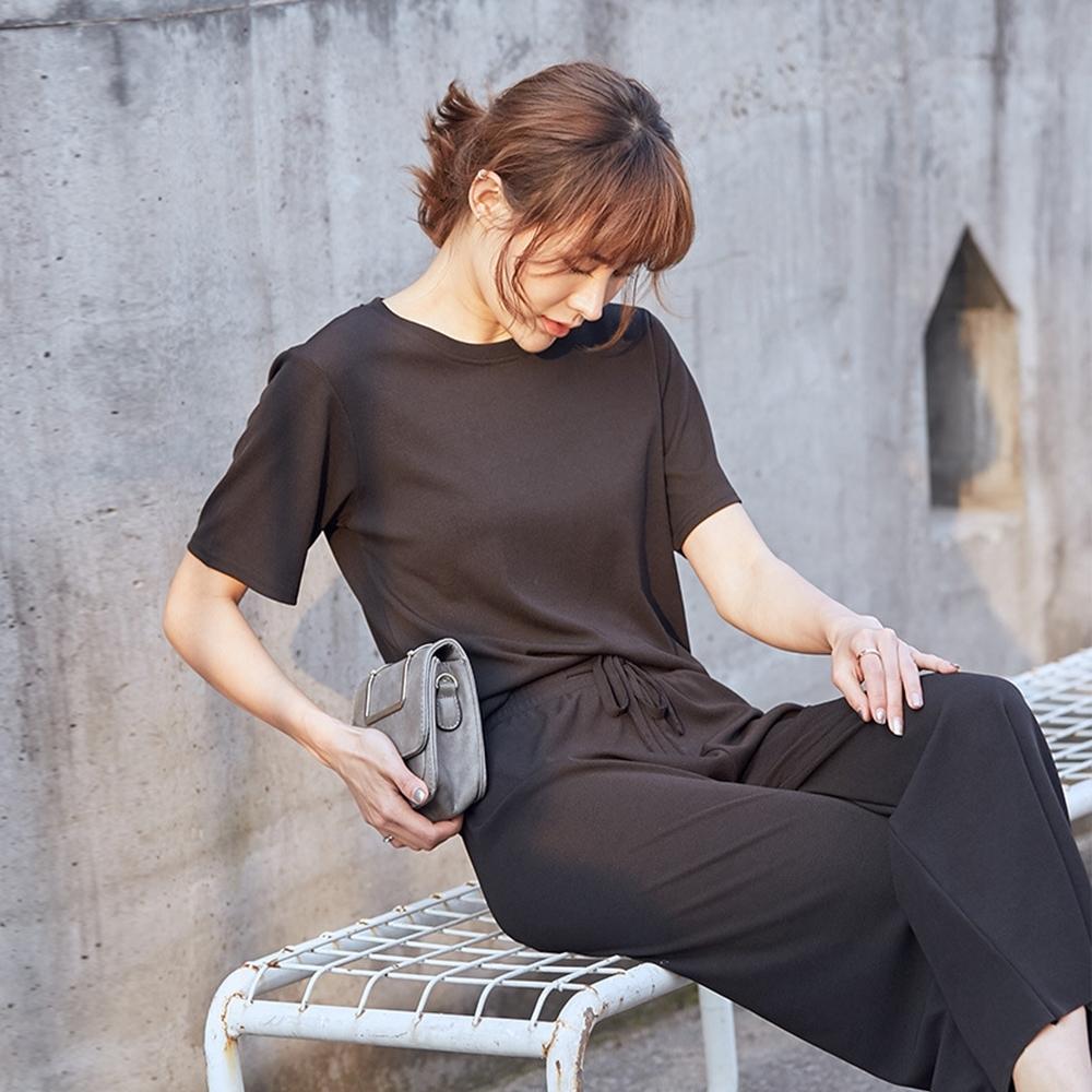 JILLI-KO 兩件套純色冰絲針織套裝- 黑/杏 product image 1
