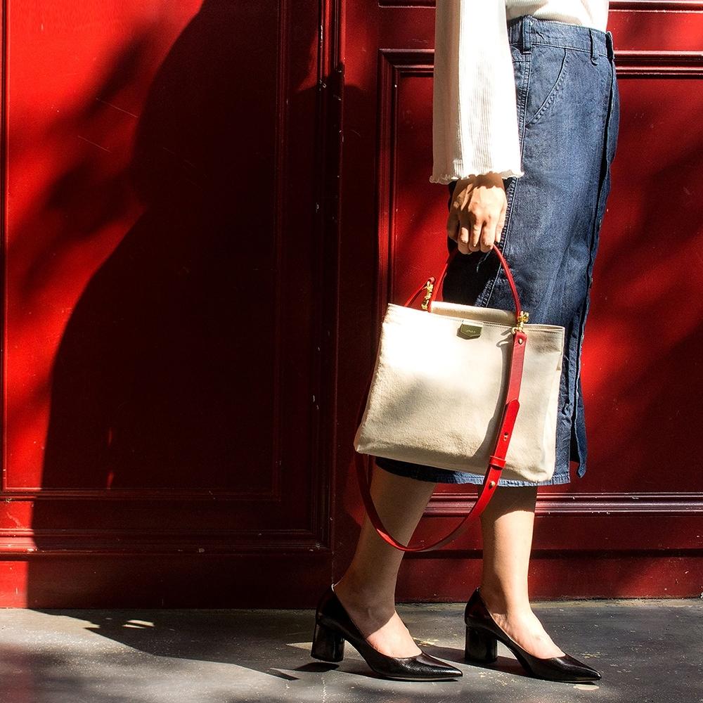 【IBAOBAO愛包包】ADOLE-ADay皮革斜背包/米帆布包+紅色提把
