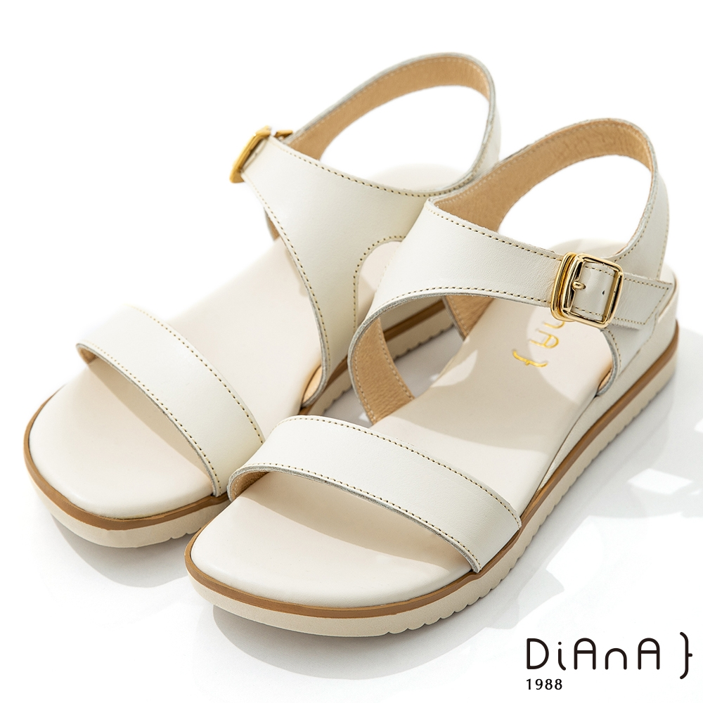DIANA 3.5cm輕色質感牛皮寬板一字涼鞋-簡約樂活-奶油白