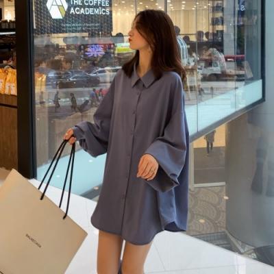 La Belleza男友風素面絲棉料燈籠袖寬鬆長版開釦襯衫