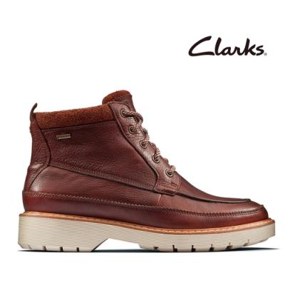 Clarks 科履行蹤 率性保暖防水綁帶中筒女靴 棕褐色