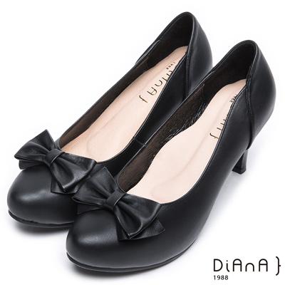 DIANA 氣質典雅—魅力質感蝴蝶結素雅跟鞋-黑