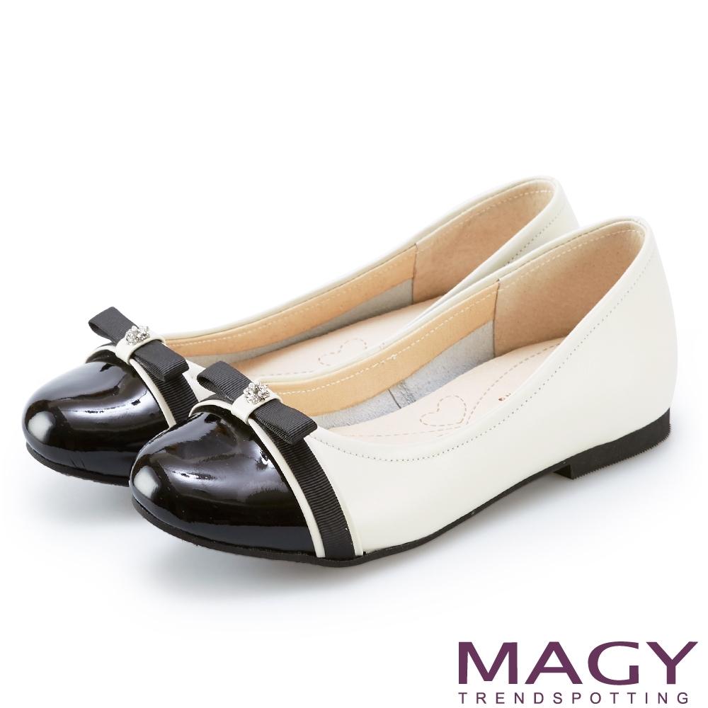 MAGY 雙色真皮鑽飾織帶蝴蝶結娃娃鞋 白色
