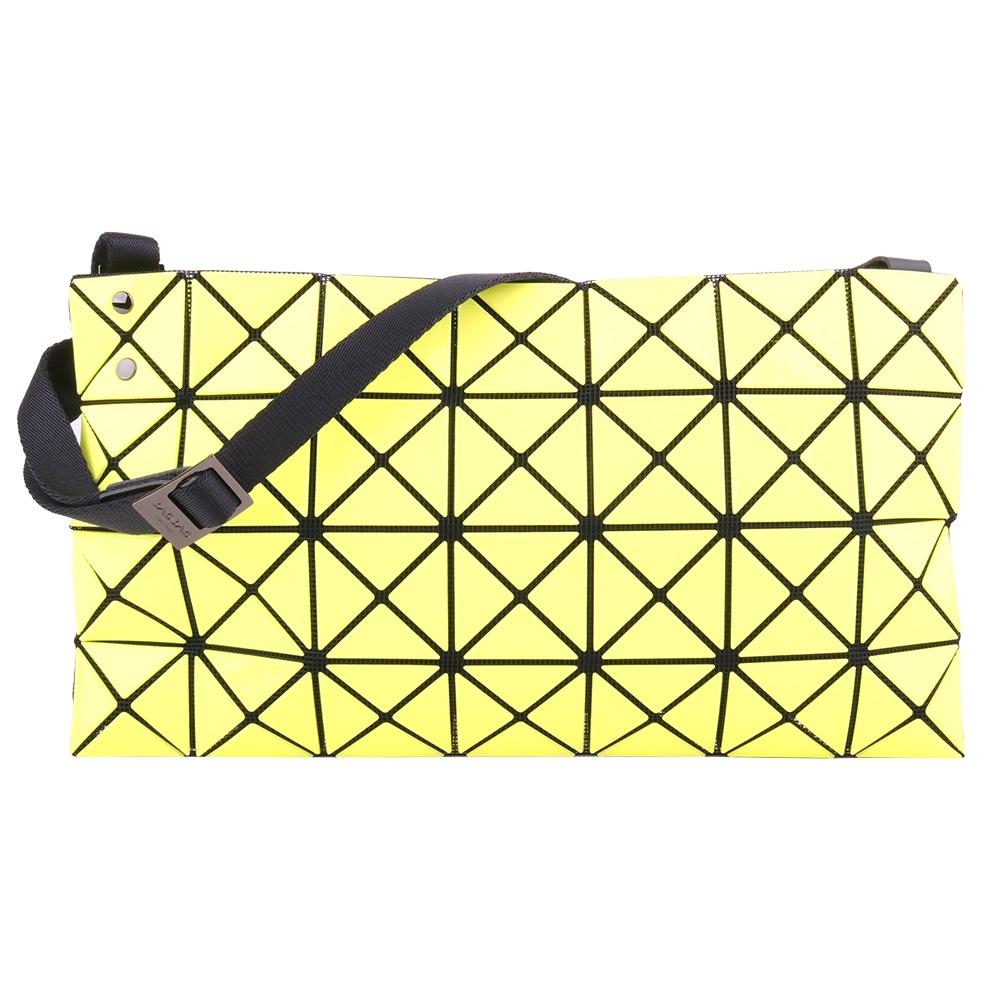 ISSEY MIYAKE  BAOBAO 釉彩幾何菱格4x7斜側背扁包(奶油黃)亮面