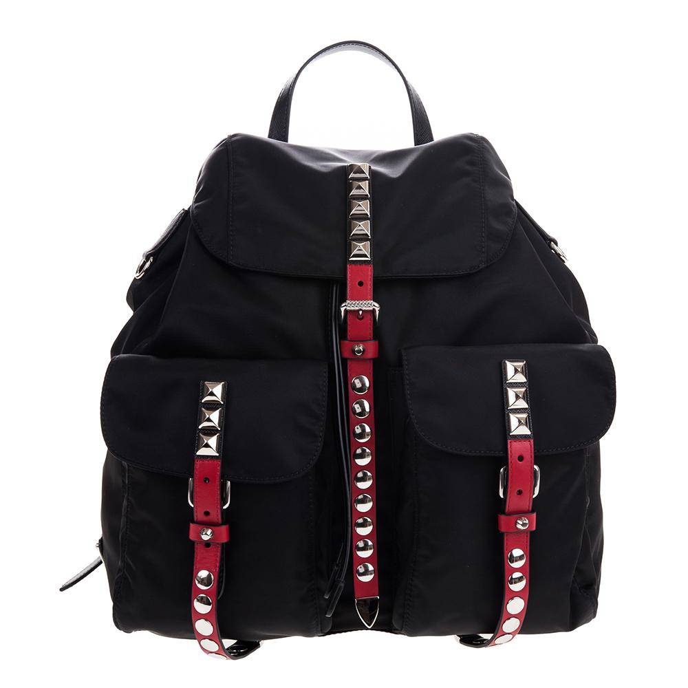 PRADA 新款經典尼龍銀鉚釘紅色皮帶釦雙口袋大型後背包 (黑色)