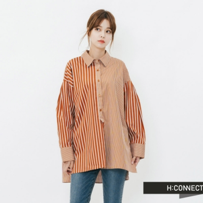 H:CONNECT 韓國品牌 女裝-排扣造型不對稱條紋襯衫-棕