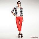 KeyWear奇威名品    復古寬腰打褶八分褲-橘紅色