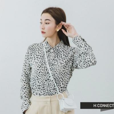 H:CONNECT 韓國品牌 女裝 -個性滿版印花襯衫-白