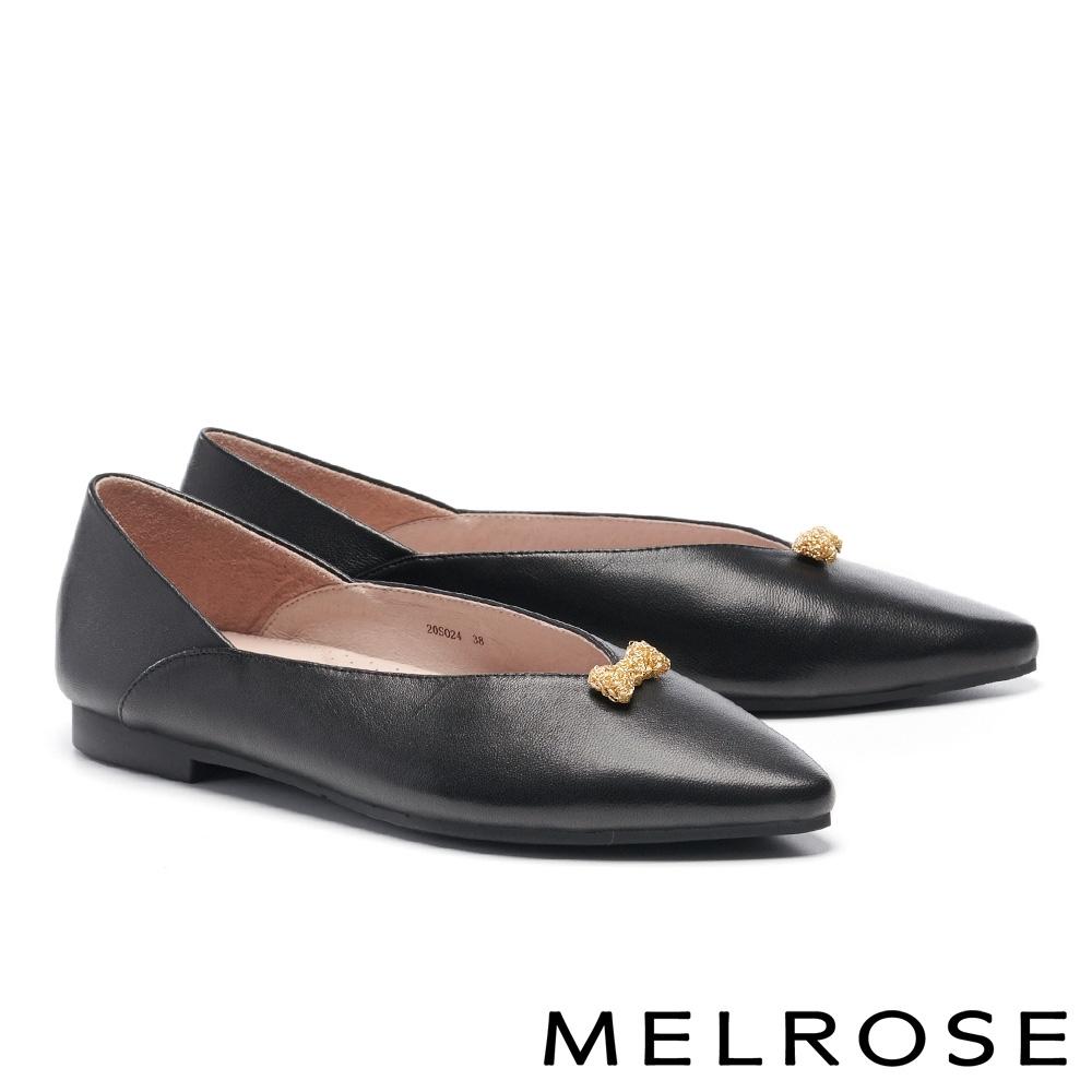 低跟鞋 MELROSE 簡約純色蝴蝶結飾釦全真皮尖頭低跟鞋-黑