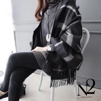 披肩 經典格紋X素面正反兩用口袋披肩式圍巾(黑) N2