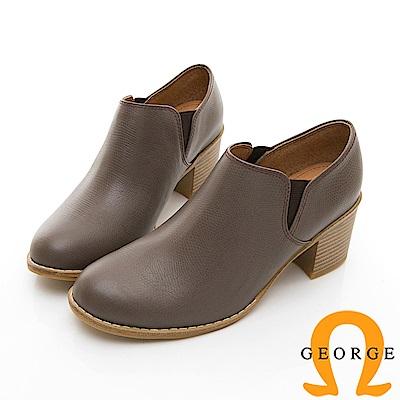 【GEORGE 喬治皮鞋】經典側邊鬆緊拼接中跟踝短靴-棕色