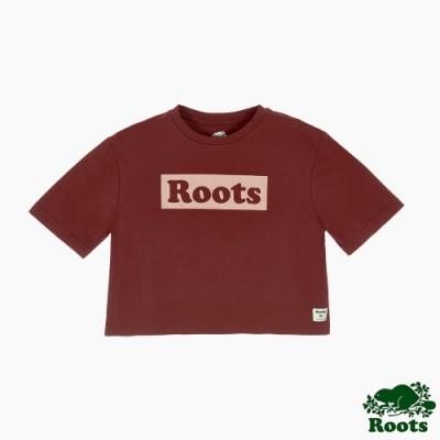 Roots女裝-曠野探索系列 Roots文字寬短版短袖T恤-棕色