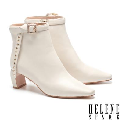 短靴 HELENE SPARK 高雅時尚晶鑽方釦條帶造型高跟短靴-白