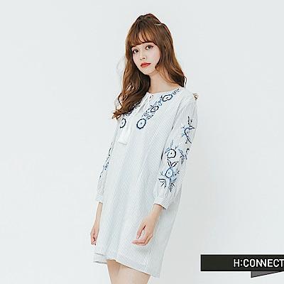 H:CONNECT 韓國品牌 女裝-民族風繡花綁帶洋裝-藍