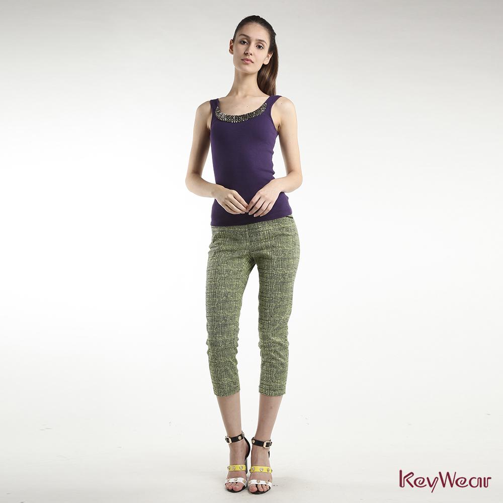 KeyWear奇威名品    華麗貼繡珠飾無袖背心-紫色