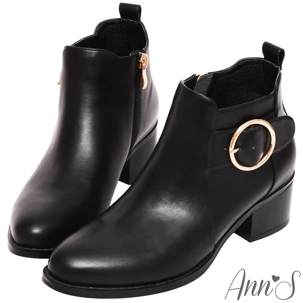 Ann'S 時髦到位-造型金色大圓扣粗跟短靴-黑