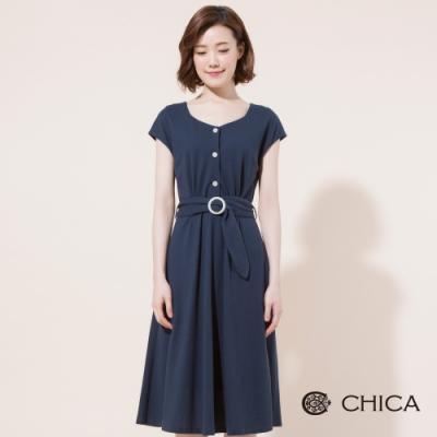 CHICA 復古圓形扣環綁帶設計洋裝(2色)