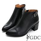 GDC-真情維也納羊皮質感素色尖頭拼接木質側扣飾短靴-黑色