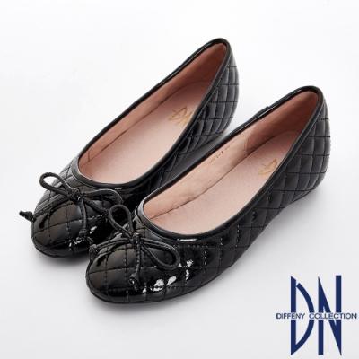 DN 經典時尚 漆面菱格紋蝴蝶結娃娃鞋-黑
