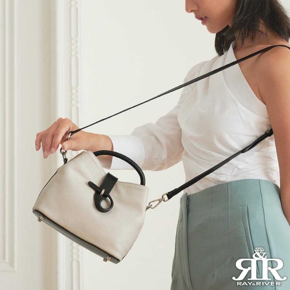 2R Style牛皮斜背風雅皮釦包 黑/米白