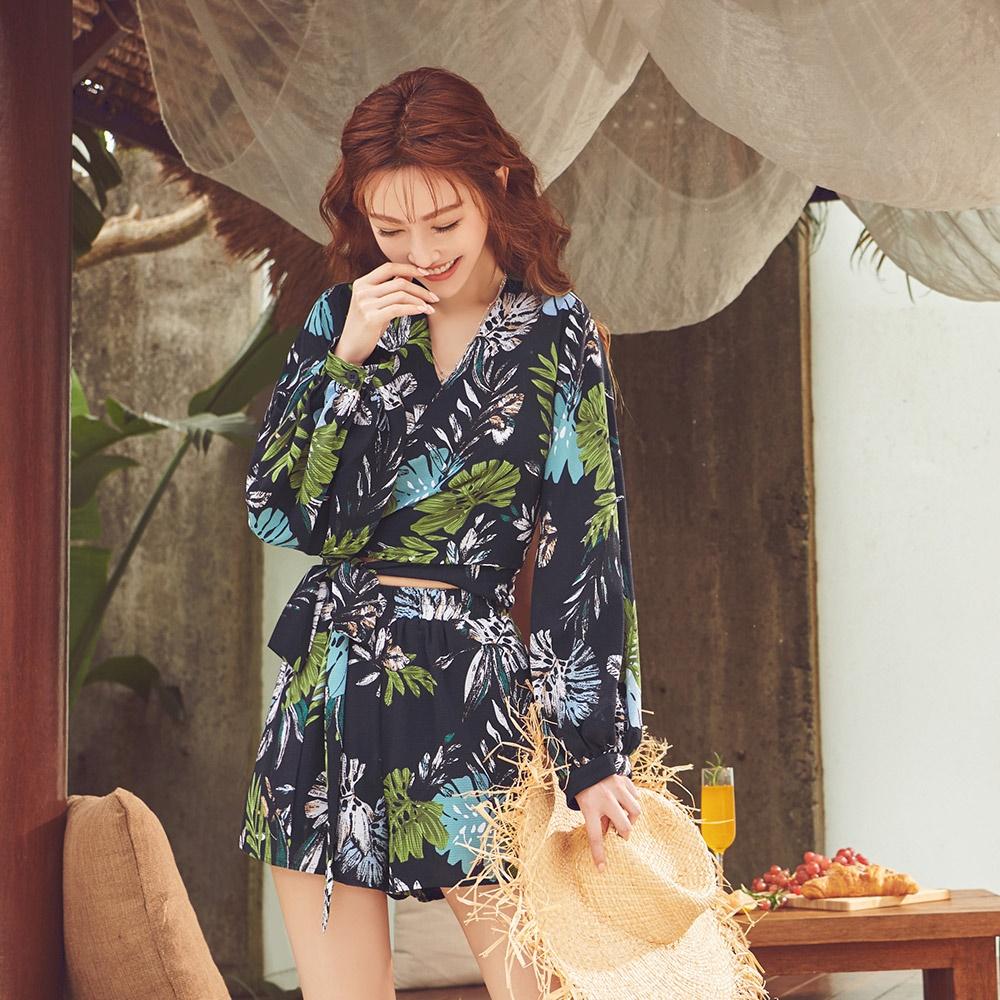 IREAL熱帶印花綁結兩件式套裝(罩衫+短褲)