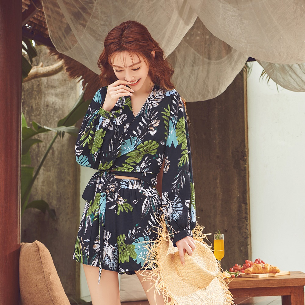 IREAL熱帶印花綁結兩件式套裝(罩衫+短褲) product image 1
