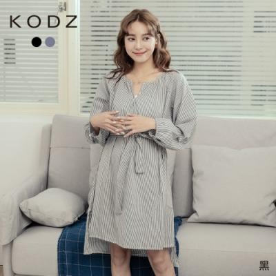 東京著衣-KODZ 好感直條紋開襟V領前短後長綁帶洋裝(共二色)