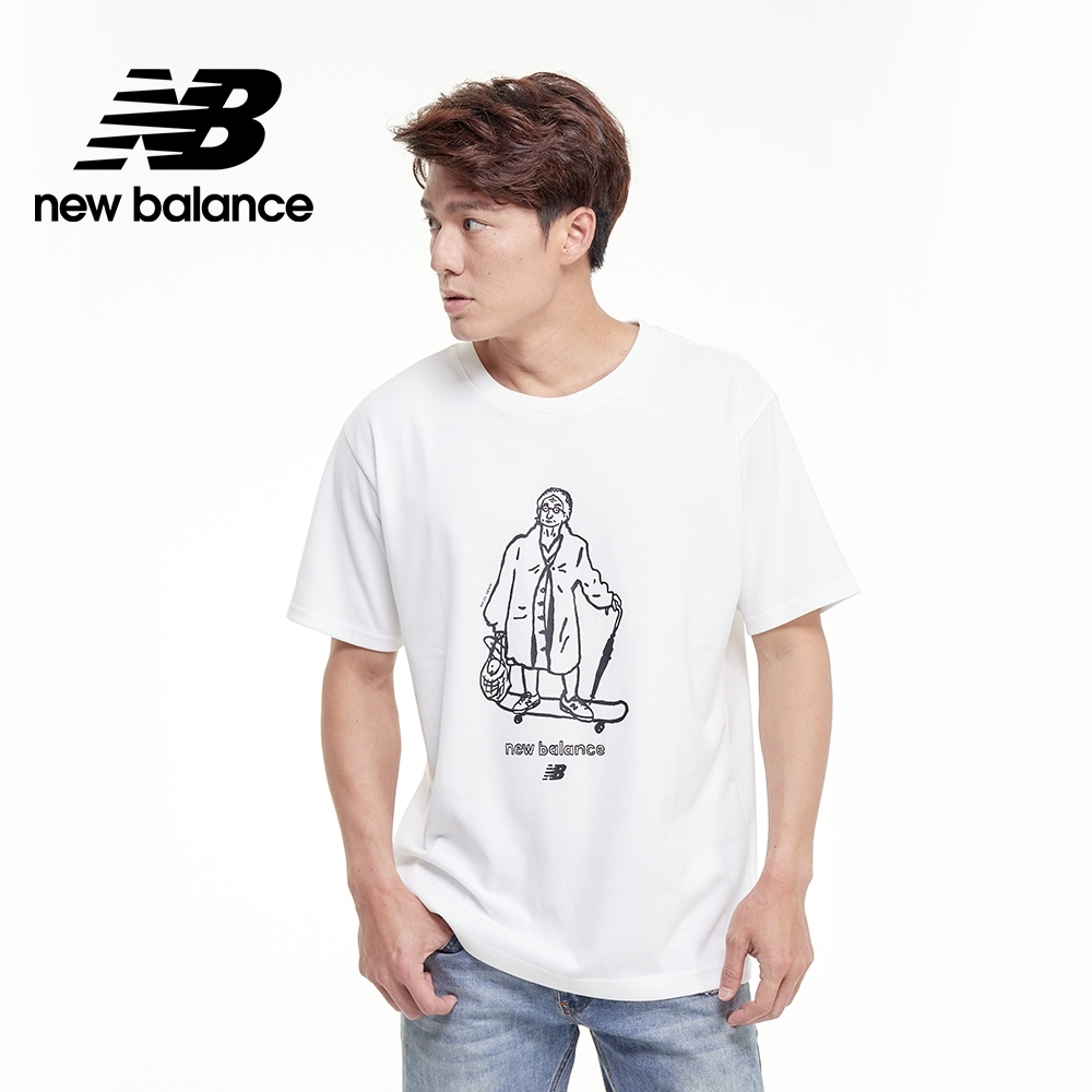 【New Balance】插畫聯名老奶奶短袖Tee_中性_白色_AMT03519WT