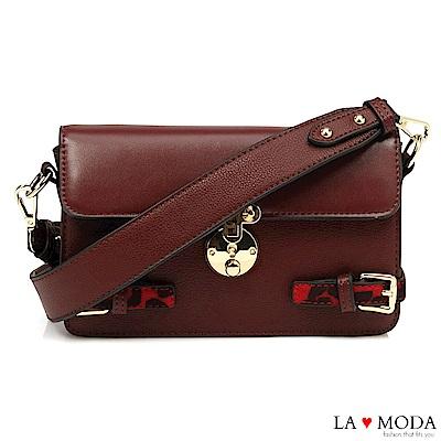 La Moda 時尚經典設計 大釦飾綴飾質感肩背醫生包小方包(深酒紅)