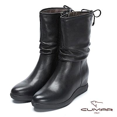 CUMAR率性柔美-簡約素雅真皮抓皺內增高短靴