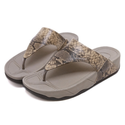JMS-涼夏時尚蛇皮紋舒壓夾腳厚底涼拖鞋-棕色