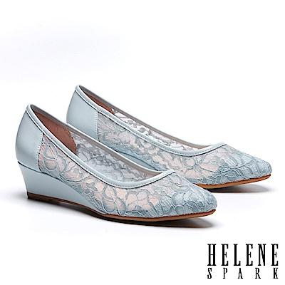 高跟鞋 HELENE SPARK 浪漫優雅蕾絲紗網布尖頭楔型高跟鞋-藍