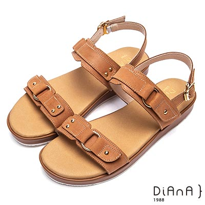 DIANA 異國風情 真皮鉚釘皮帶飾釦羅馬寬版涼鞋-棕