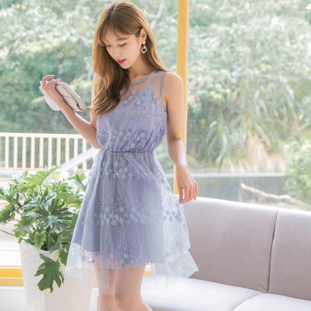微透膚蕾絲雕花網紗拼接純色背心洋裝/小禮服-OB大尺碼