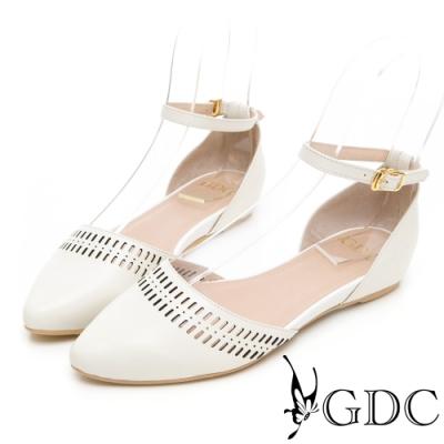 GDC-莊園女孩真皮氣質簍空雕花後包繞帶尖頭涼鞋-米色