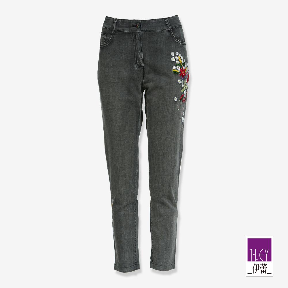 ILEY伊蕾 閃亮花朵九分牛仔褲(黑)