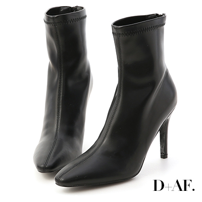 D+AF 時尚尖端.素面顯瘦感高跟襪靴*黑