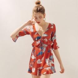 AIR SPACE 胸前綁帶荷葉袖印花短洋裝(橘紅)