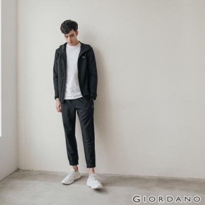 GIORDANO 男裝3M抗汙透氣素色抽繩運動束口褲 - 09 標誌黑